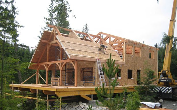 Sip panels vs whole logs katahdin cedar log homes for Building a house with sip panels
