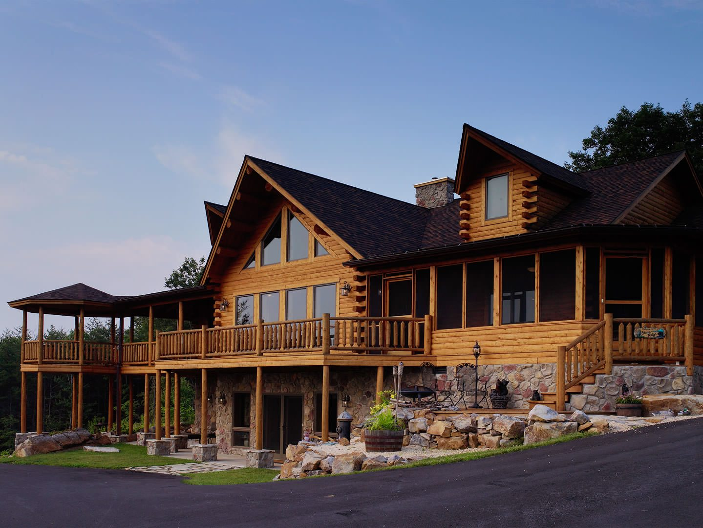 Bonanza 04268 katahdin cedar log homes for Log cabins homes