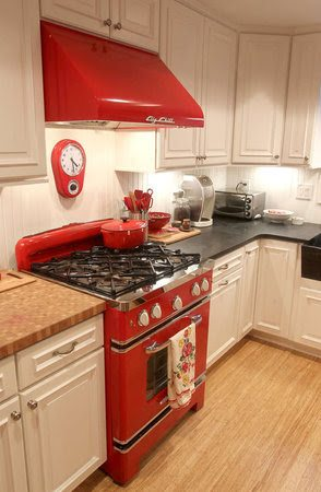 The Company Offers Two Sizes Of Gas Or Propane Ranges: 30 Inch Or 36 Inch.  Both Come With Easy To Clean Sealed Tops, Interior Racks, A Convection Fan  And ...