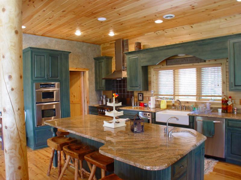 Kitchen Colors Add Pizzazz To Your Log Home Katahdin Cedar Log Homes