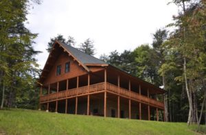 The Stillwater Lodge lets you enjoy the benfits of a Katahdin Cedar Log Home rental while exploring Hocking Hills OH.